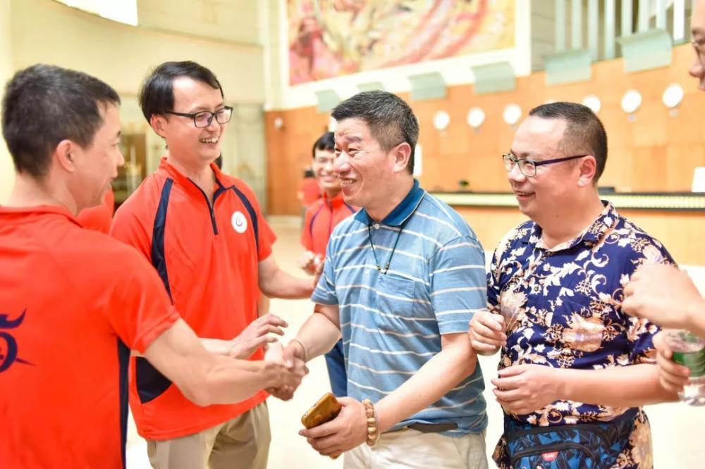 广州中医药大学中医班同学25周年聚会