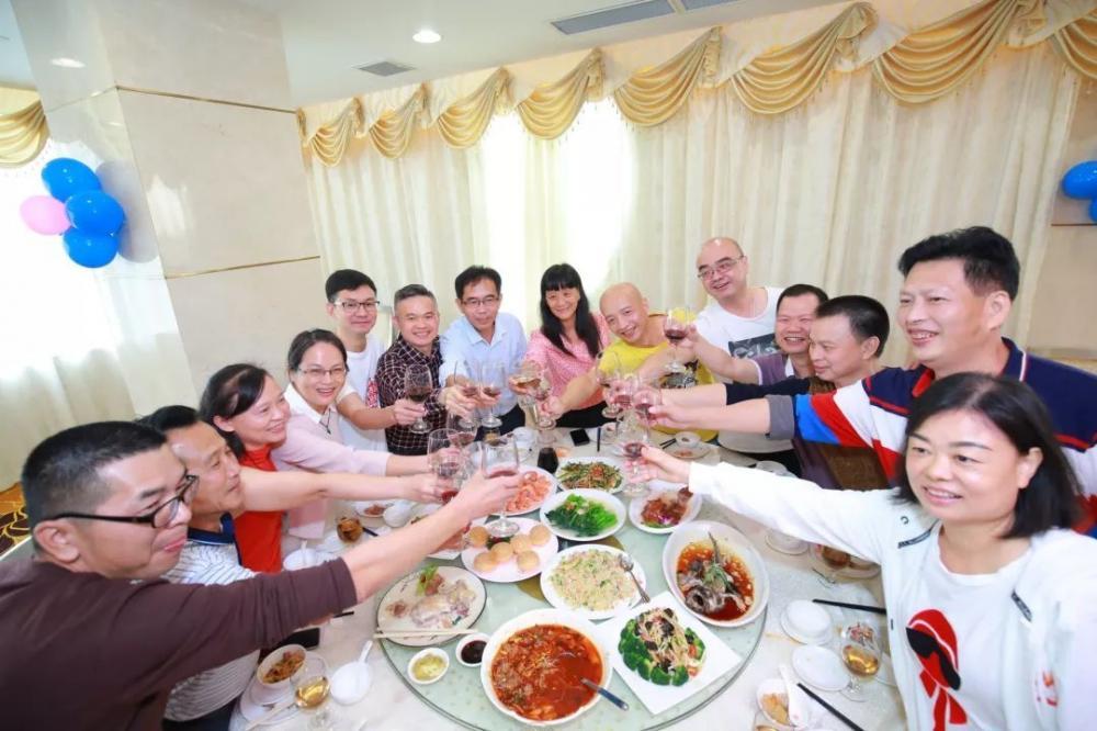 最美的期待   广东省医药学校86中药班毕业30周年聚会